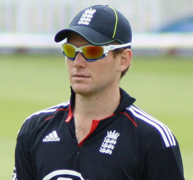 English: Eoin Morgan in the field during the 2...